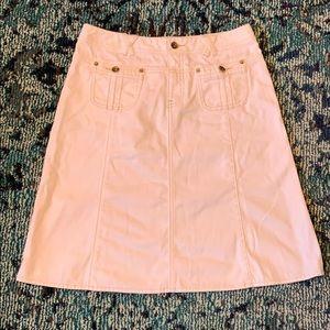 Banana Republic white jean skirt. EUC.